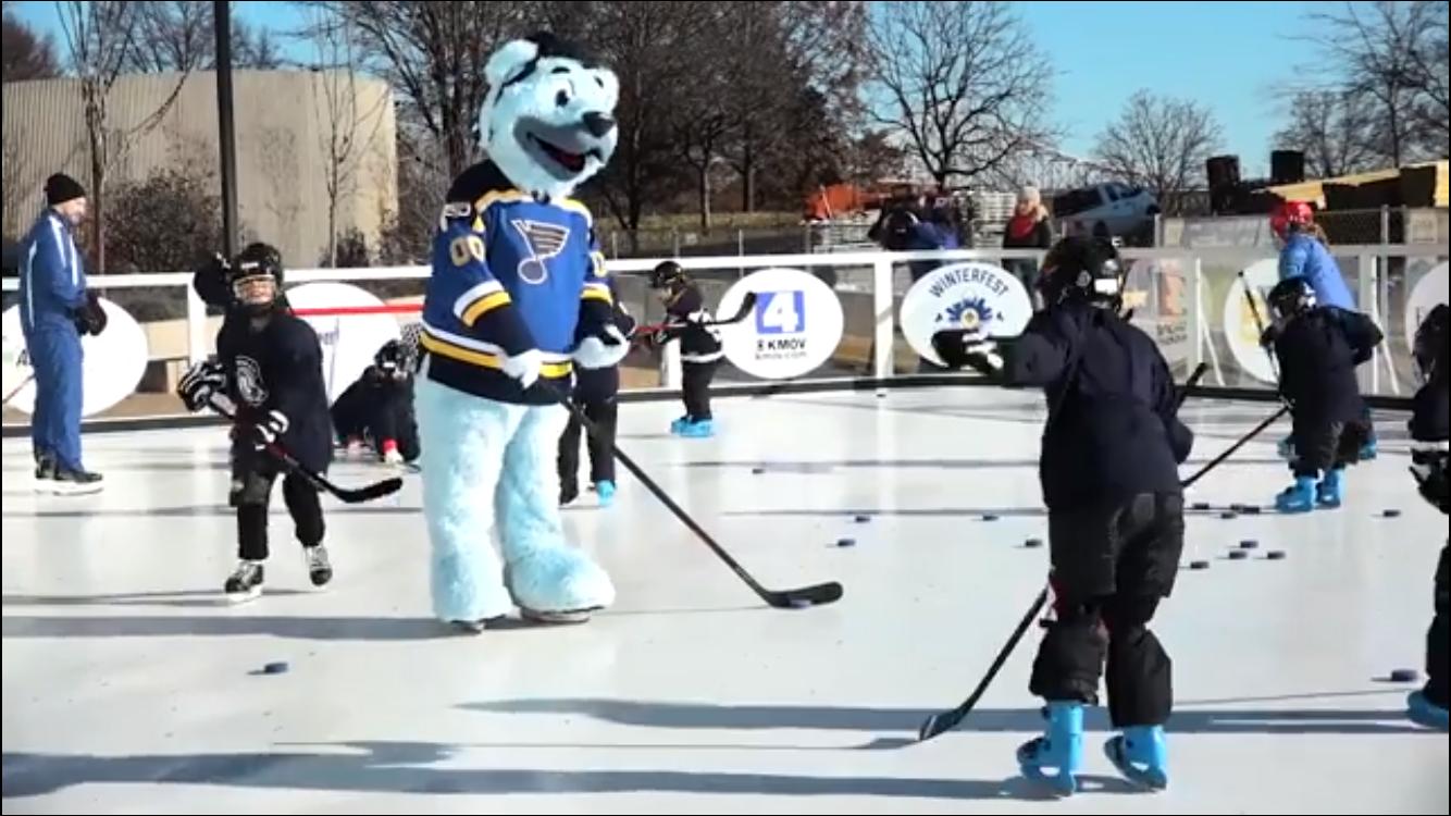 hockey iceless skating rink